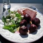 Kokta rödbetor med skinka och fetasallad